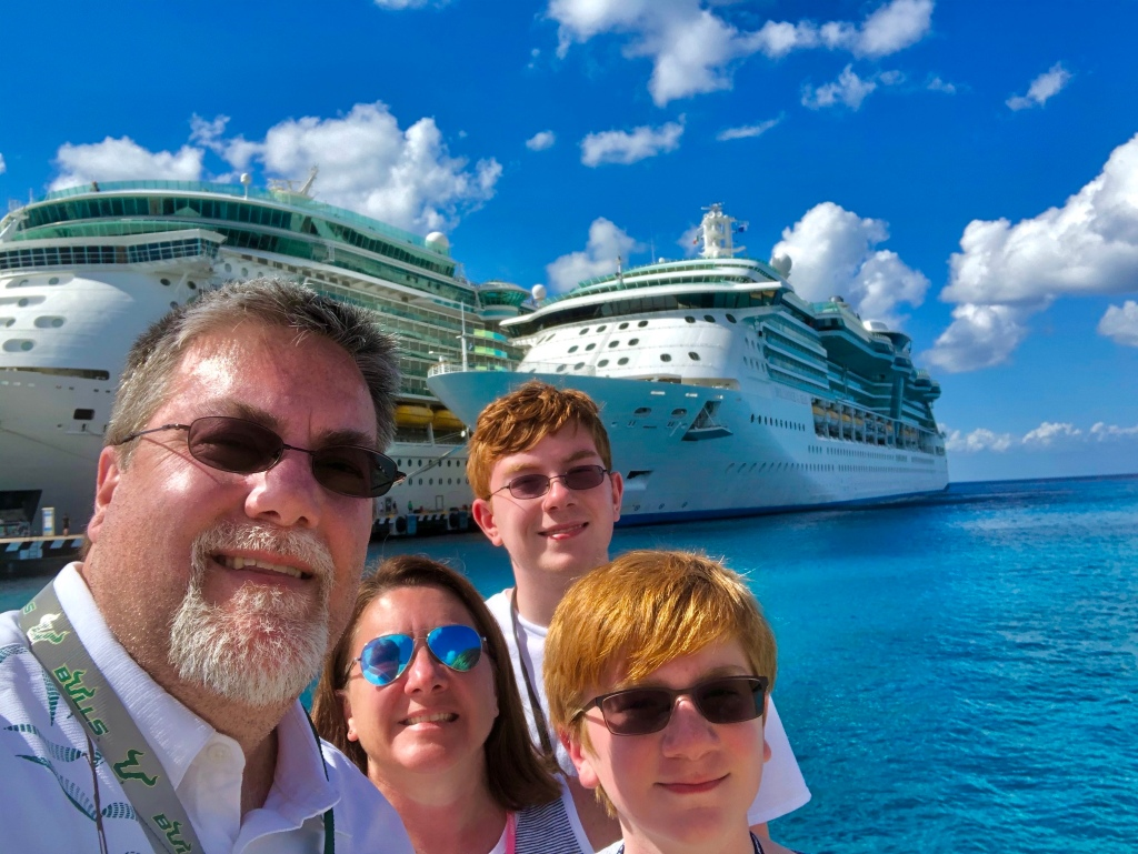 A photo of david brodosi and his family in Mexico